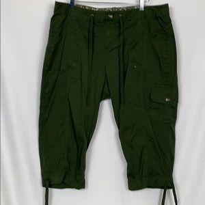 Faded Glory army green capris pants size 20W